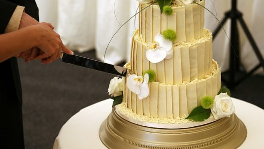 affair 1238440 640 536x302 - 10 Wedding Traditions & The History Behind Them