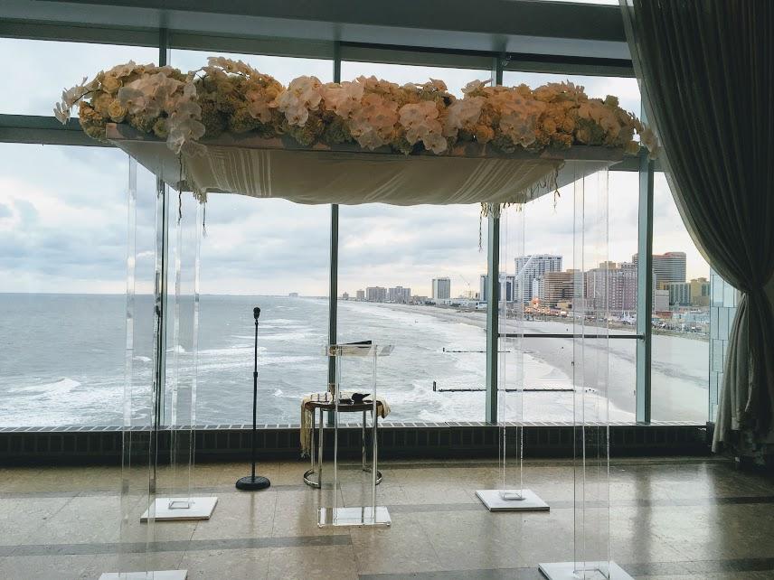 Acrylic Ceremony canopy IMG 6018 1 - Ceremonies