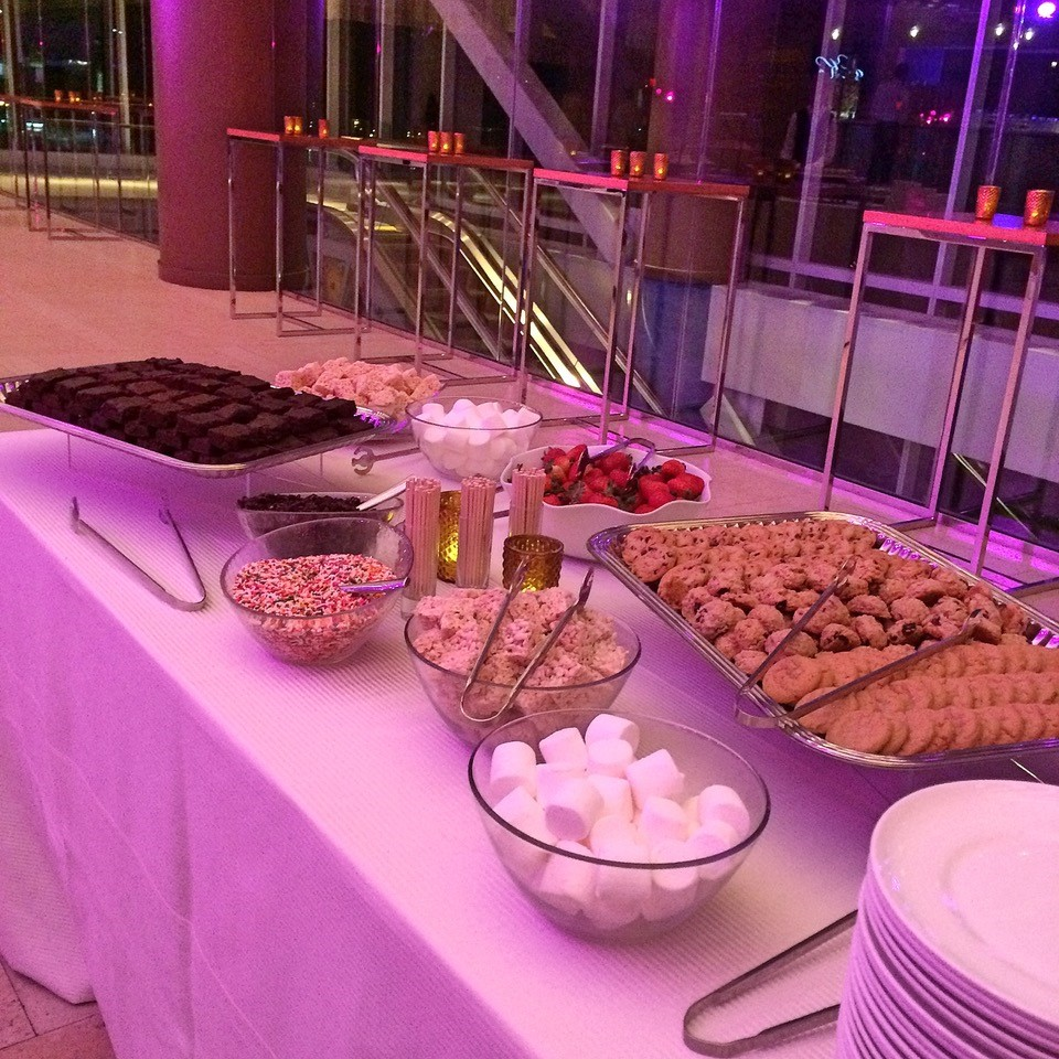Chocolate Fountain 2 - Stations