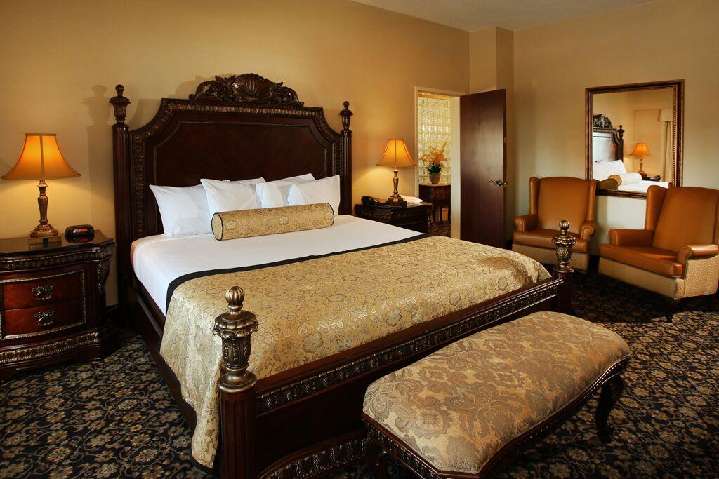King Bed - The Claridge Hotel