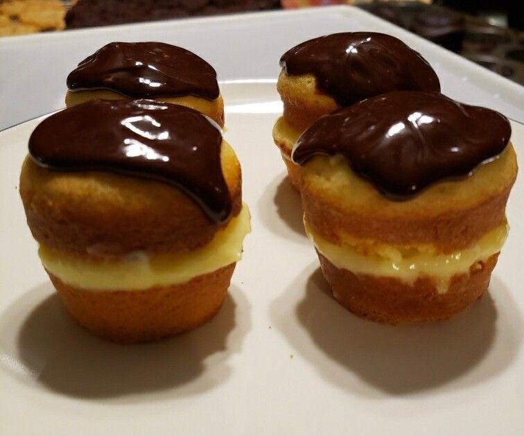bostons - Butlered Desserts