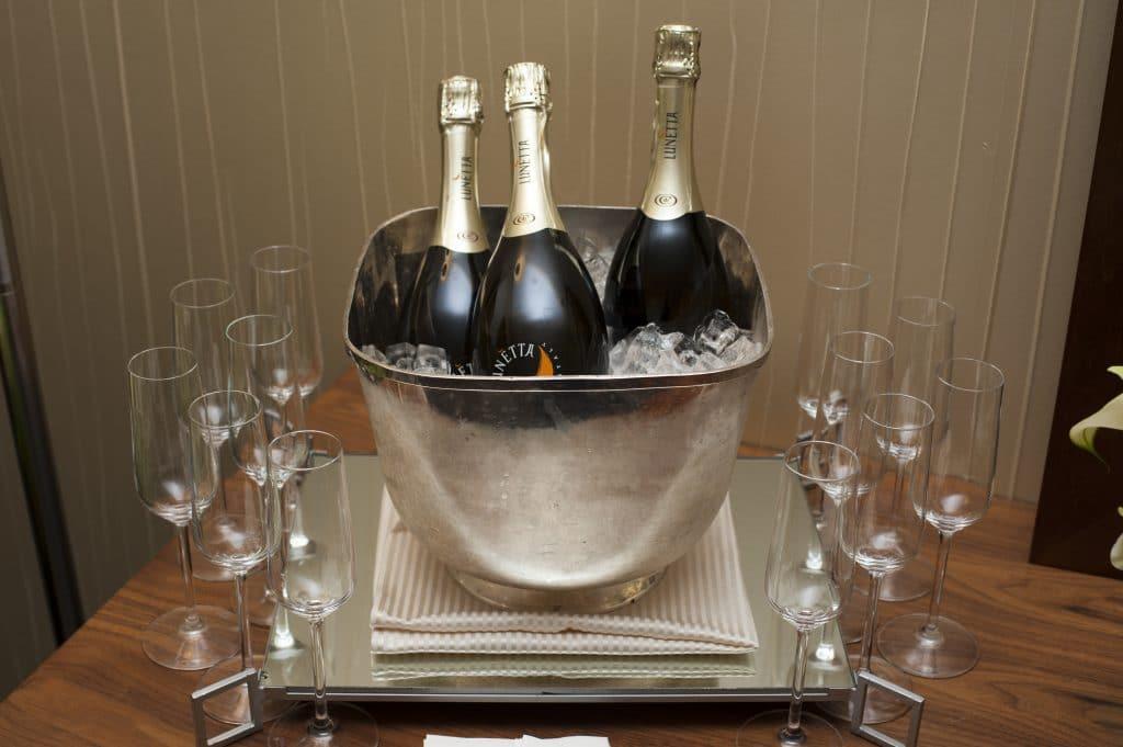 Bridal Suite Champagne 1 1024x681 - Bar & Cocktails
