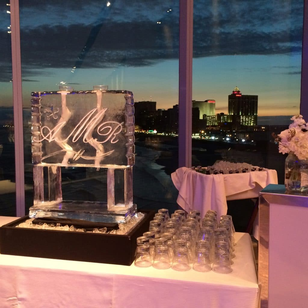 ice sculpture for drinks 1024x1024 - Bar & Cocktails